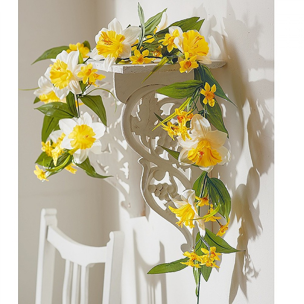 Daffodil Garland Silk Flowers Museum Selection