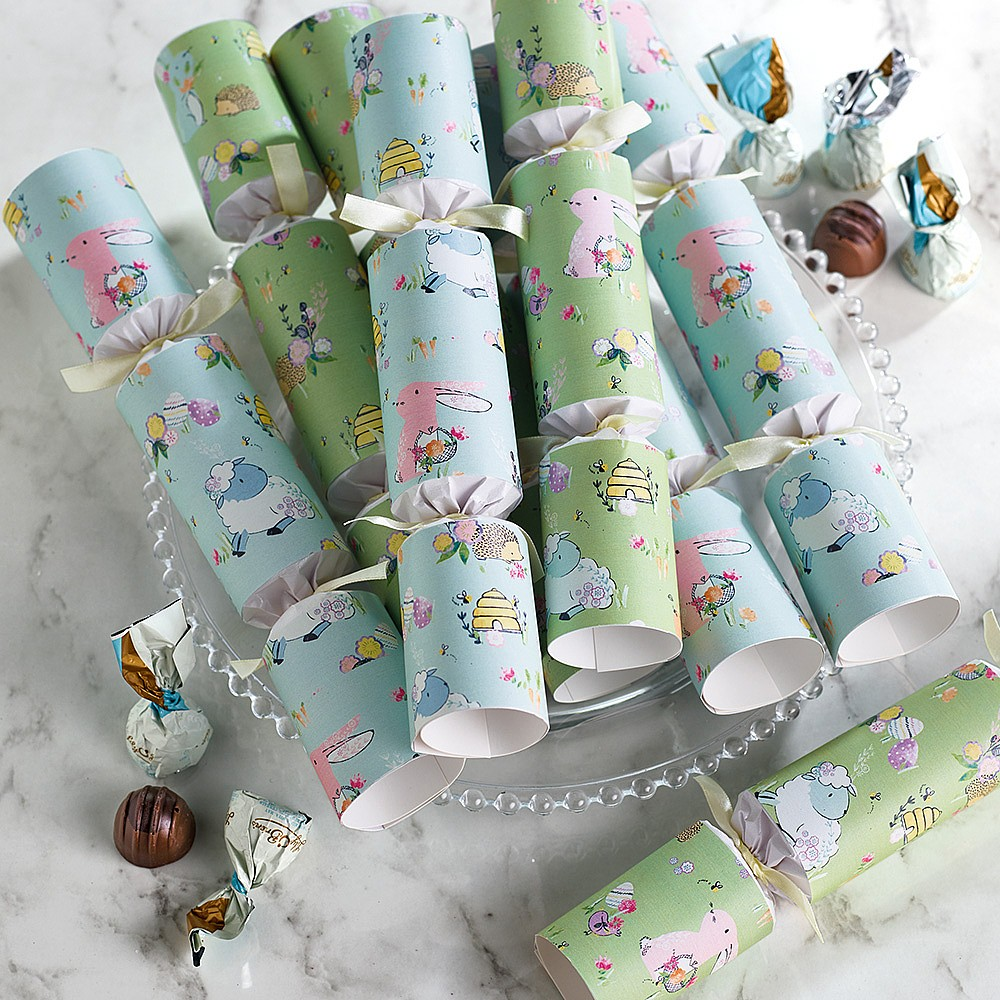 8 Easter Crackers with Chocolates
