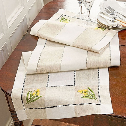 Daffodil Table Runner
