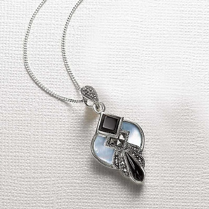Amie Mother-of-Pearl Pendant