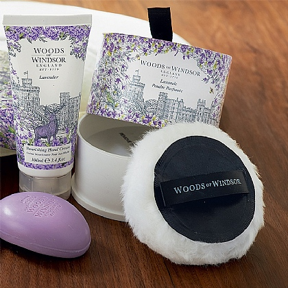 Woods of Windsor Dusting Powder