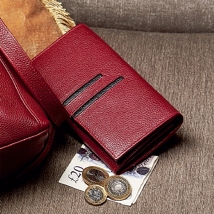 Linear Detail Leather Wallet