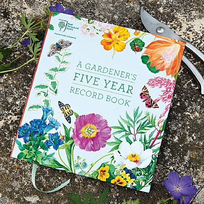 A Gardener's Five Year Record Book