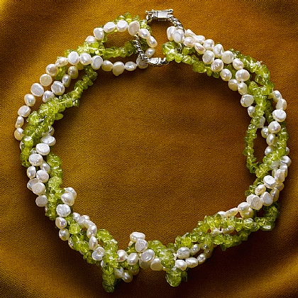 Crusaders Peridot & Pearl Twist Necklace