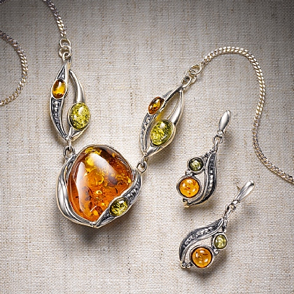 Arts & Crafts Amber Jewellery