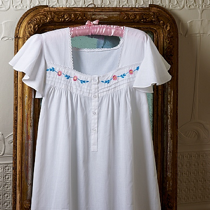Glasgow Rose Embroidered Nightdress