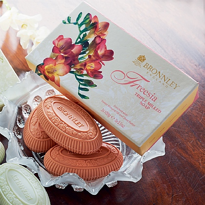 Freesia Soap Set
